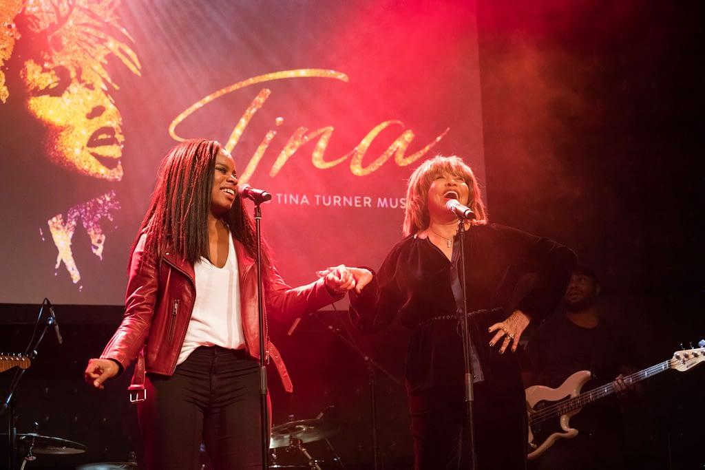 Tina Turner und Hauptdarstellerin Kristina Love_Fotocredit_Stage Entertainment